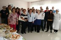 Miembros de la Corporación municipal y artistas del Festival Sensxperiment visitan las instalaciones del ciclo de Cocina