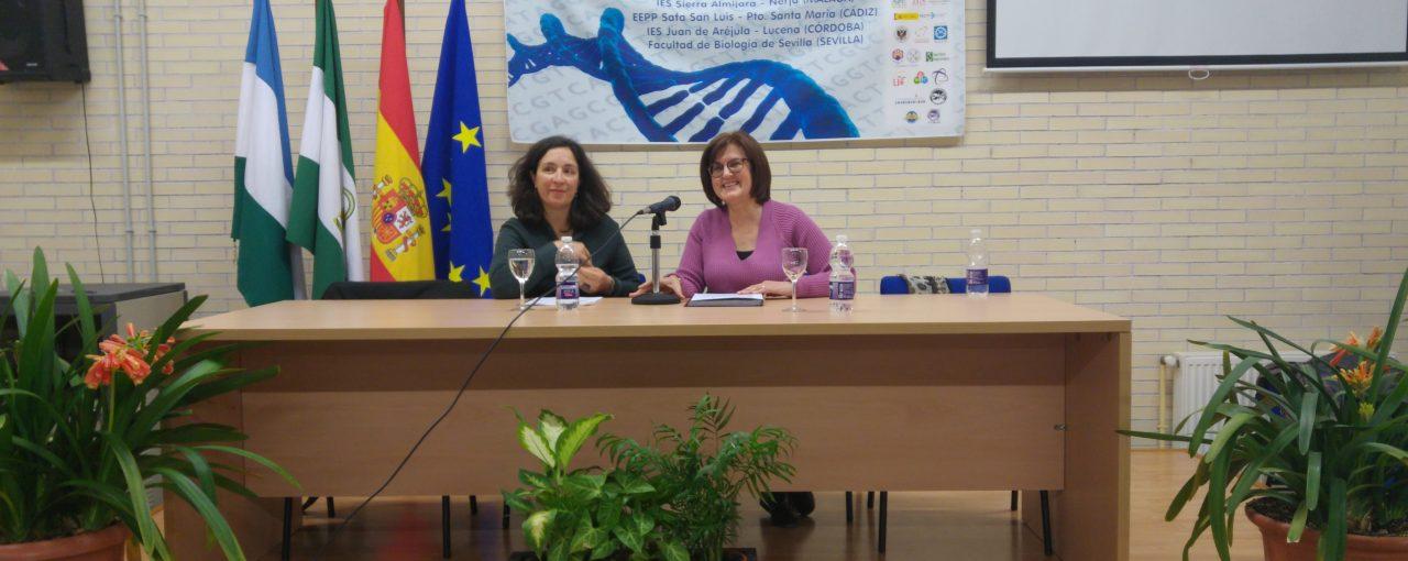 """La escritora Yaiza Martínez imparte una conferencia sobre Carmen de Burgos """"Colombine"""""""